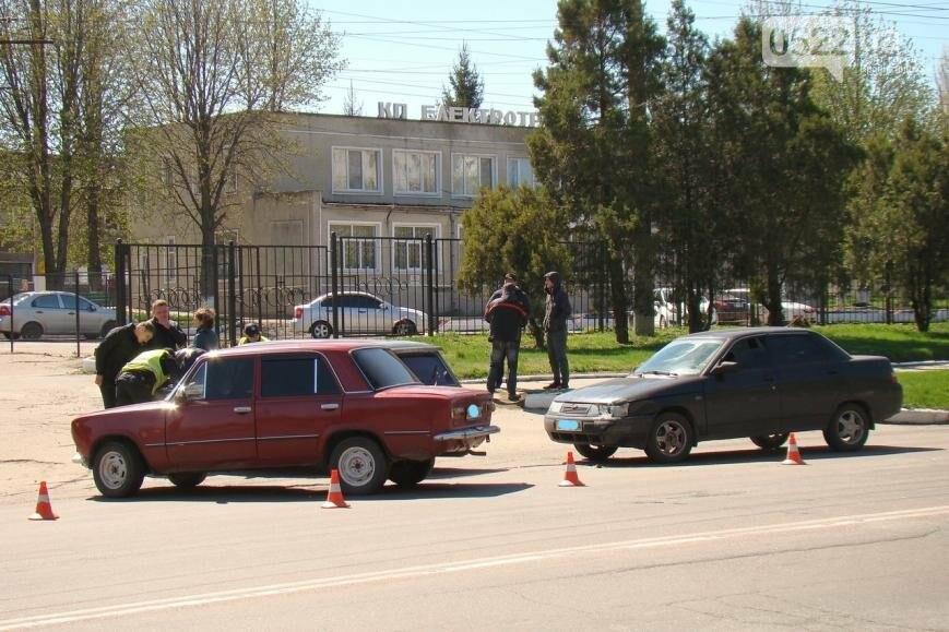 """В Кропивницком столкнулись два """"ВАЗа"""" ФОТО, фото-3"""