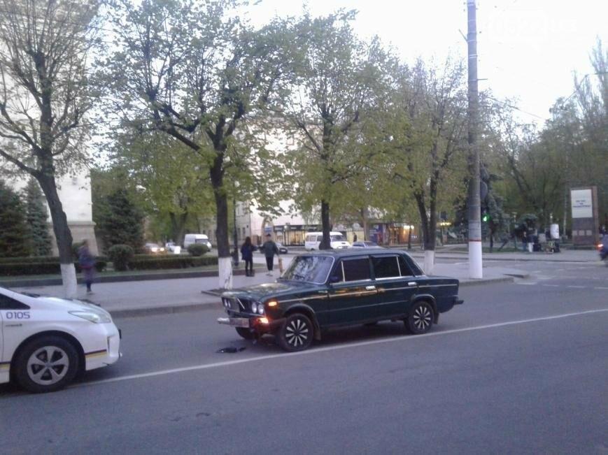 В центре Кропивницкого произошло ДТП с участием скутера ФОТО, фото-3