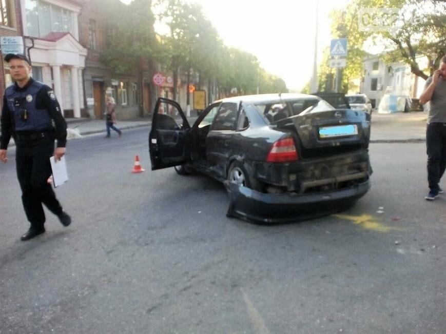 В центре Кропивницкого случилось тройное ДТП ФОТО, фото-2