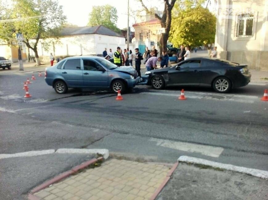В центре Кропивницкого случилось тройное ДТП ФОТО, фото-1