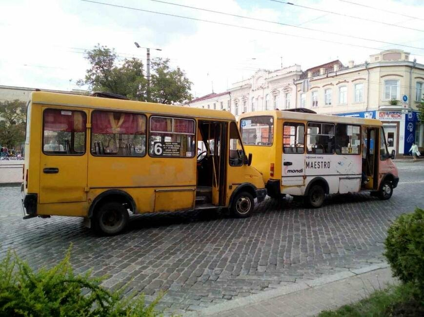 ДТП в Кропивницком: столкнулись две маршрутки ФОТО, фото-5