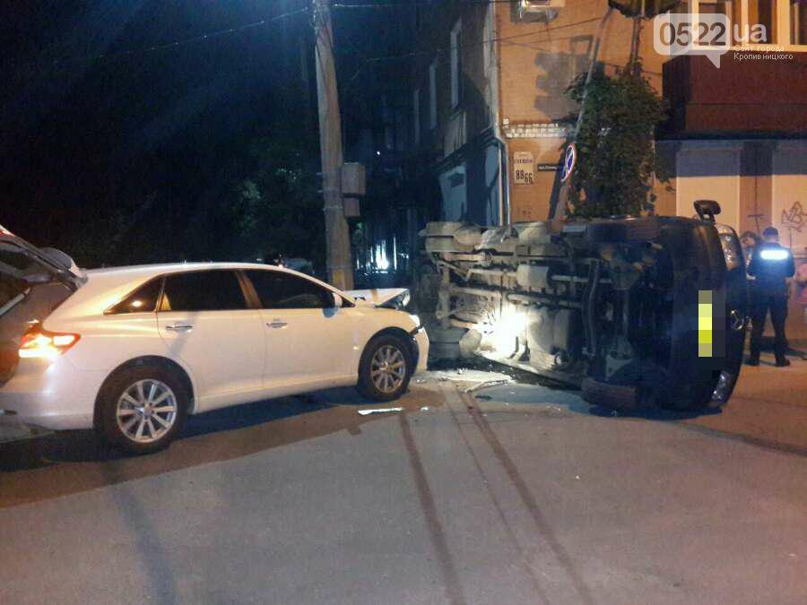 ДТП в Кропивницком: перевернулся микроавтобус (ФОТО), фото-2