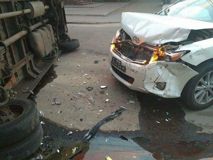 ДТП в Кропивницком: перевернулся микроавтобус (ФОТО), фото-3