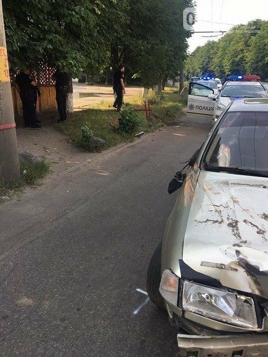В Кропивницком иномарка снесла ограждение (ФОТО), фото-2