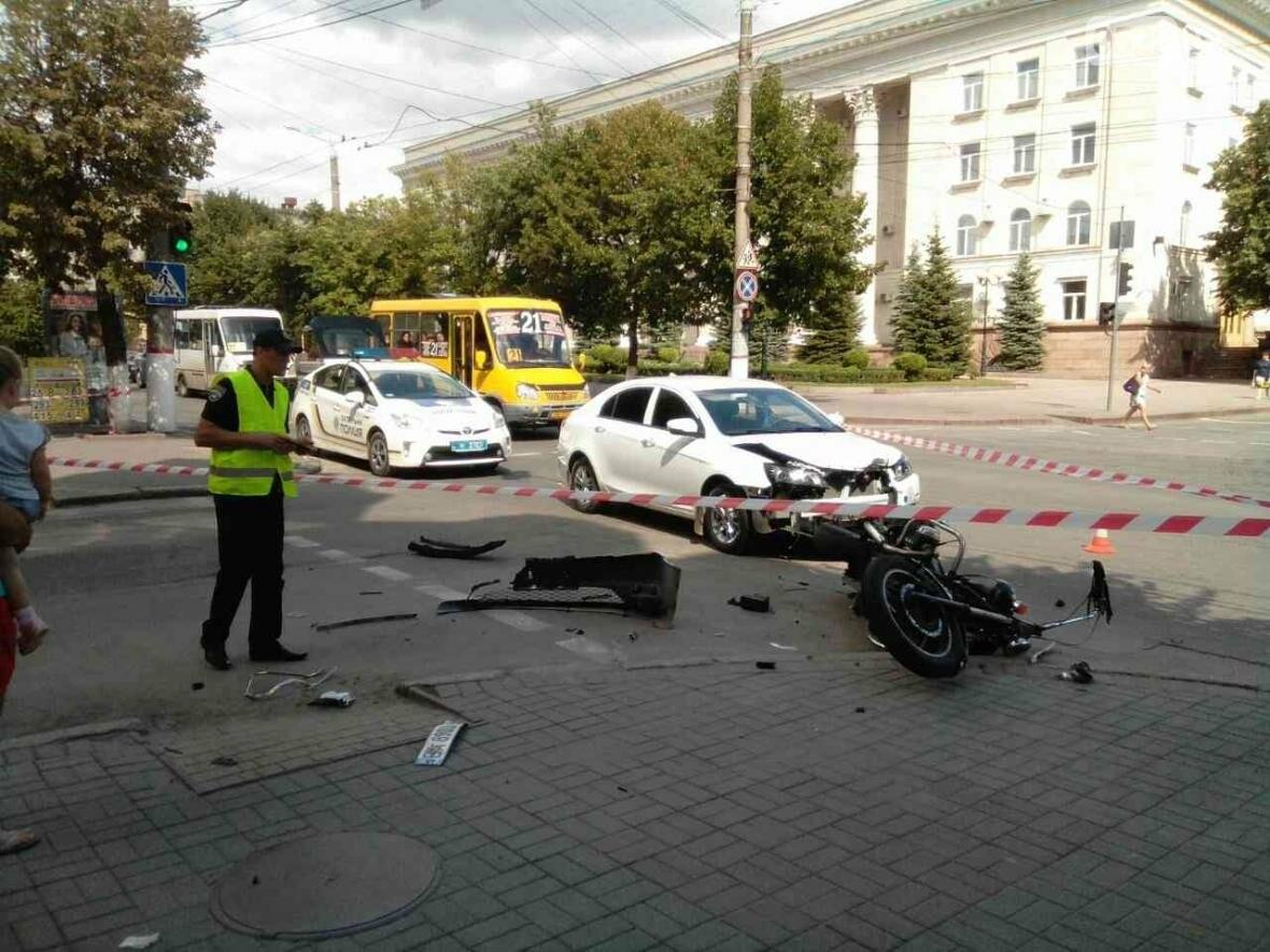 В центре Кропивницкого в ДТП пострадал мотоциклист ФОТО, фото-3