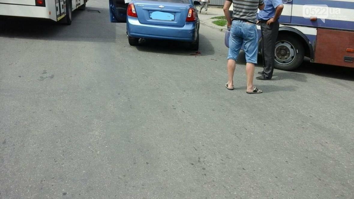 ДТП В Кропивницком: рейсовый автобус столкнулся с автомобилем ФОТО, фото-3