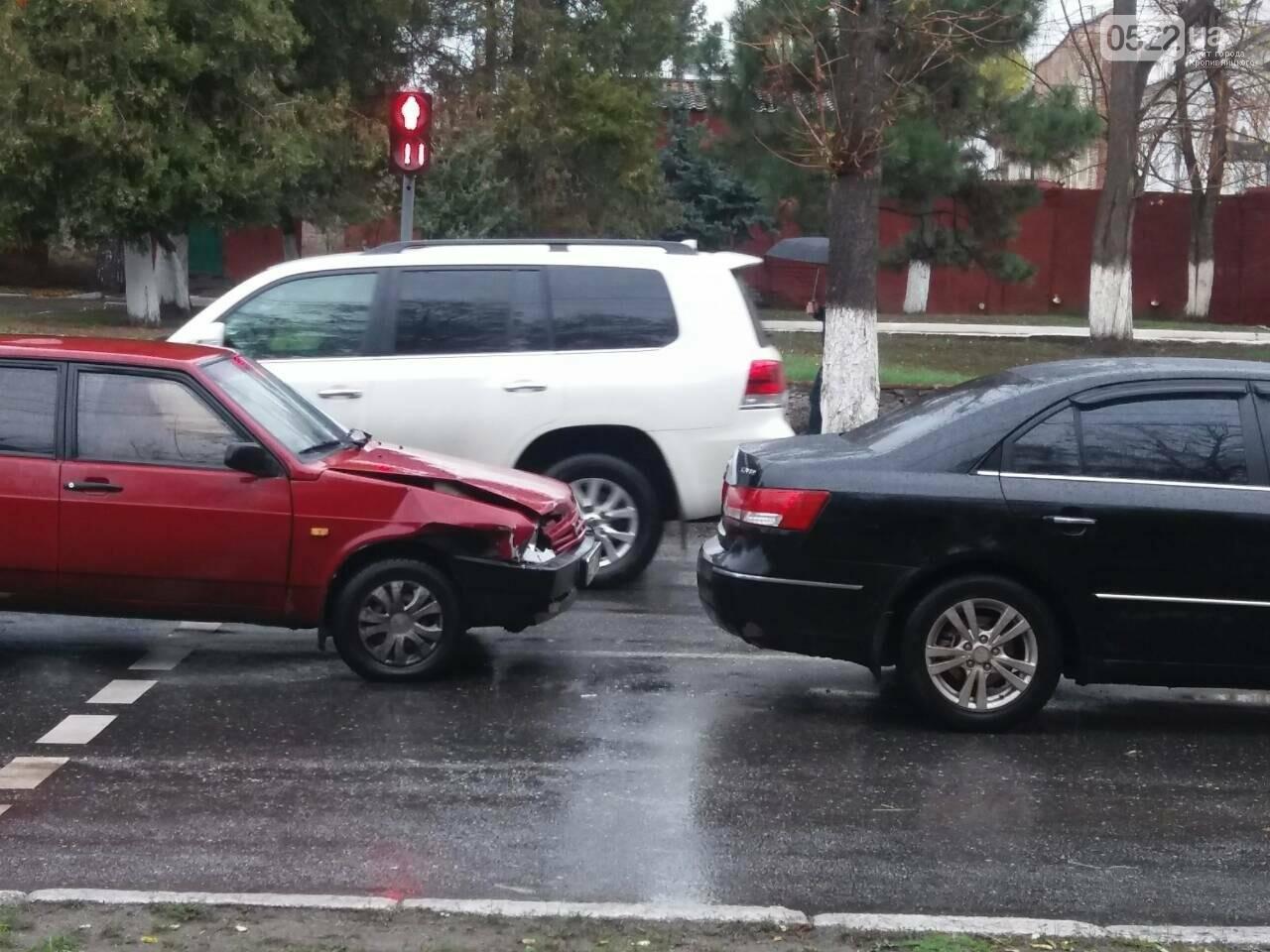 В центре Кропивницкого произошло дорожно-транспортное происшествие. ФОТО, фото-2