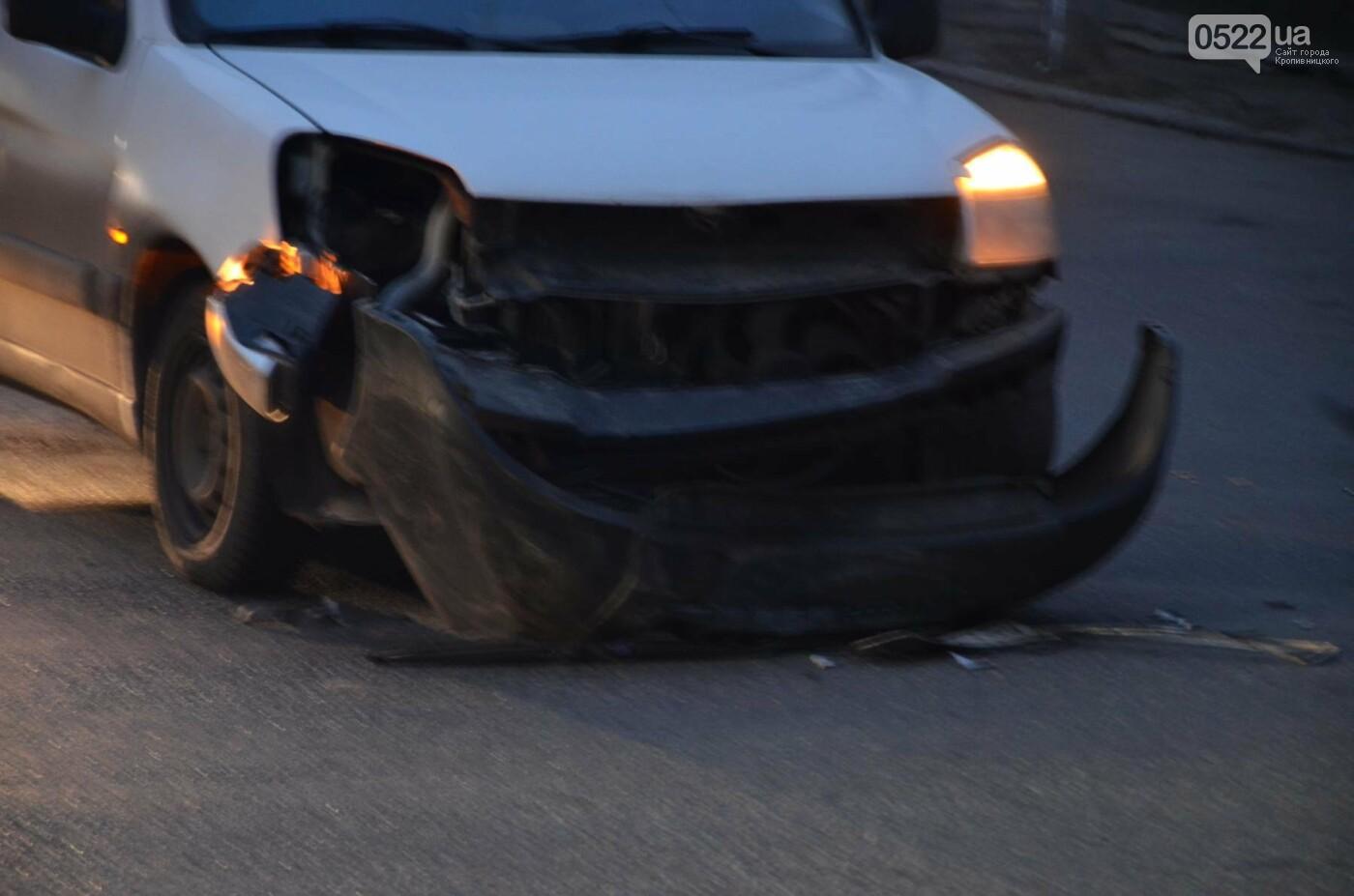 В Кропивницком маршрутка попала в дорожную аварию. ФОТО, фото-3