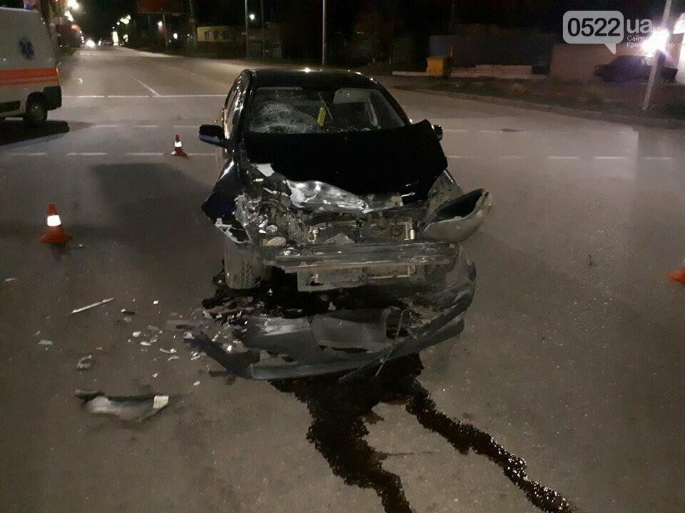 ДТП в Кропивницком: женщина-водитель врезалась в автобус. ФОТО, фото-2