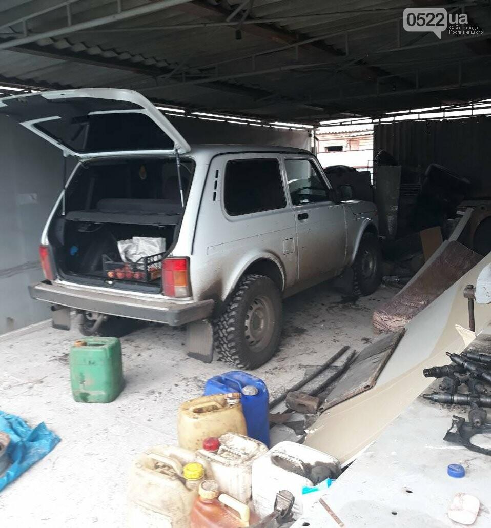 На Кіровоградщині працівники поліції затримали серійних автоугонщиків. ФОТО, фото-6