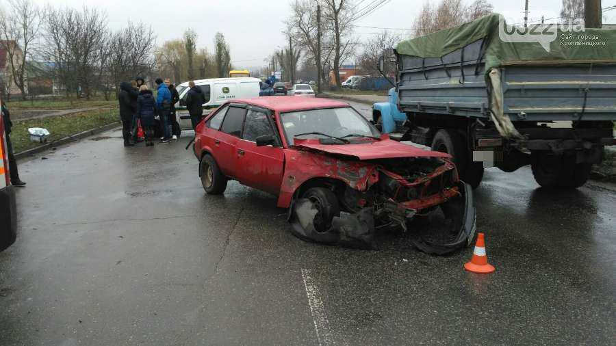 Стало известно из-за чего в Кропивницком произошло серьезное ДТП. ВИДЕОСЮЖЕТ, фото-3