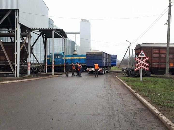 В Кропивницком произошло ДТП между тепловозом и грузовиком. ФОТО, фото-4