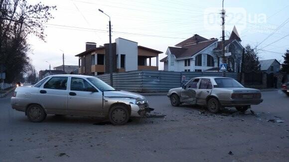 В Александрии сильно столкнулись два автомобиля. ФОТО, фото-1