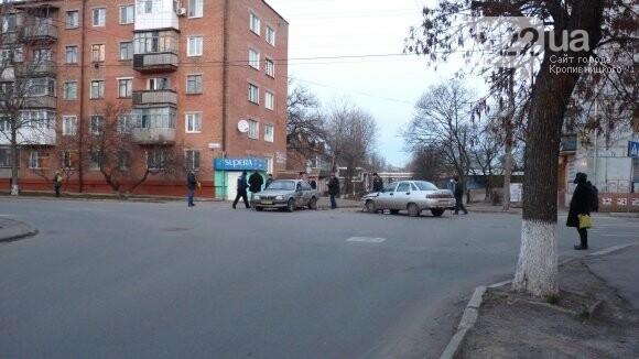 В Александрии сильно столкнулись два автомобиля. ФОТО, фото-5
