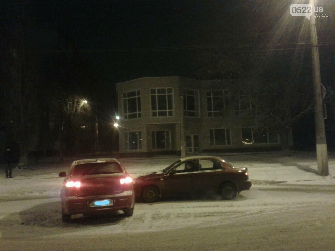 На Николаевке произошло ДТП. ФОТО, фото-1