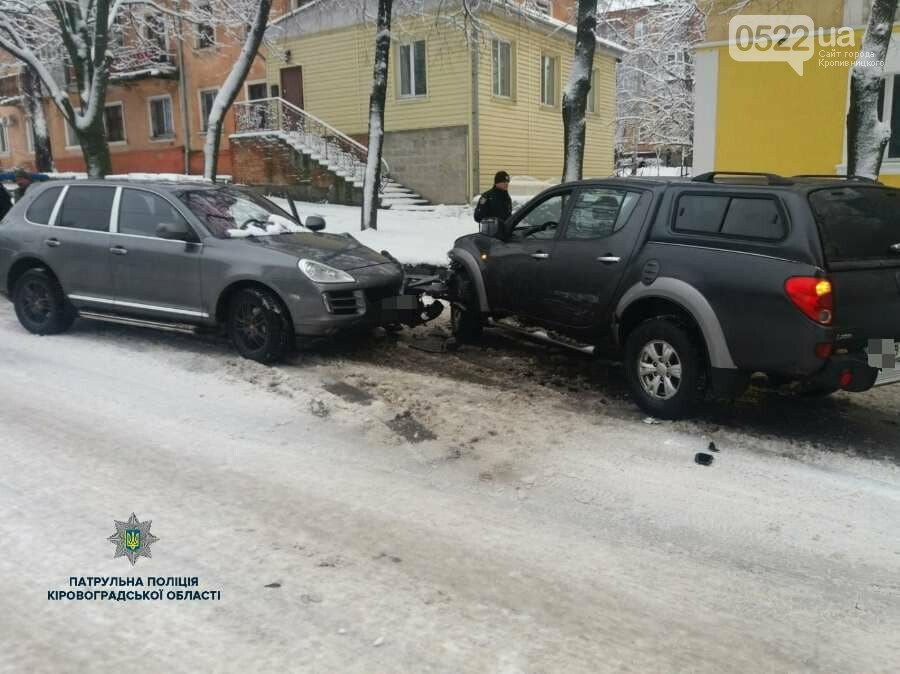 """В Кропивницком пьяный водитель автомобиля """"Porsche"""" устроил ДТП. ФОТО, фото-2"""
