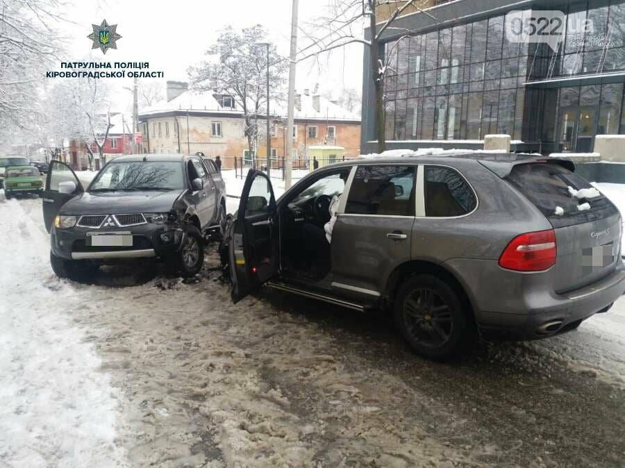 """В Кропивницком пьяный водитель автомобиля """"Porsche"""" устроил ДТП. ФОТО, фото-3"""