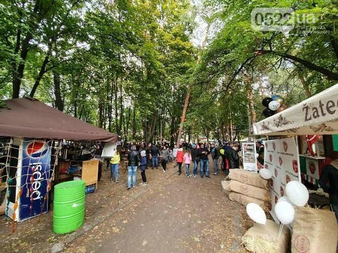 Кропивницький: за традицією, на Козачому острові проходить Фестиваль вуличної їжі (ФОТО) , фото-7