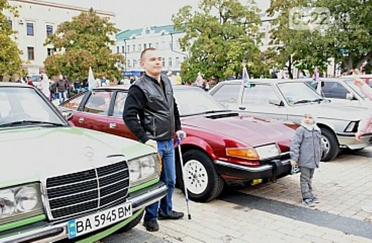 У Кропивницькому відбулася виставка ретро автомобілів (ФОТО), фото-2