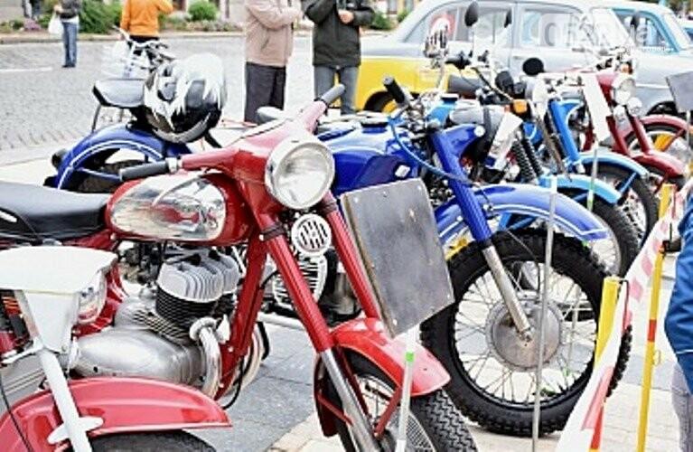 У Кропивницькому відбулася виставка ретро автомобілів (ФОТО), фото-4