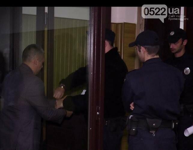 Кіровоградщина: у суді Миколаєва обрали запобіжний захід поліцейському, якого звинувачують у скоєнні смертельного ДТП, фото-2