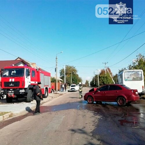 ДТП: У Кропивницькому легковик влетів у маршрутку (ФОТО), фото-2