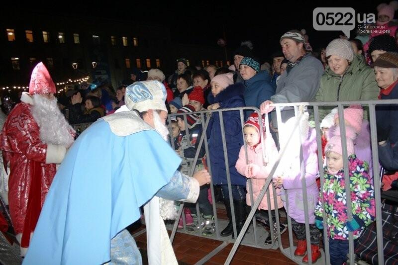 У Кропивницькому офіційно відкрили новорічну ялинку. (ВІДЕО, ФОТО), фото-9