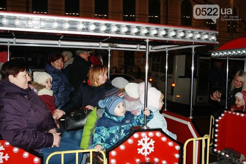 У Кропивницькому офіційно відкрили новорічну ялинку. (ВІДЕО, ФОТО), фото-24