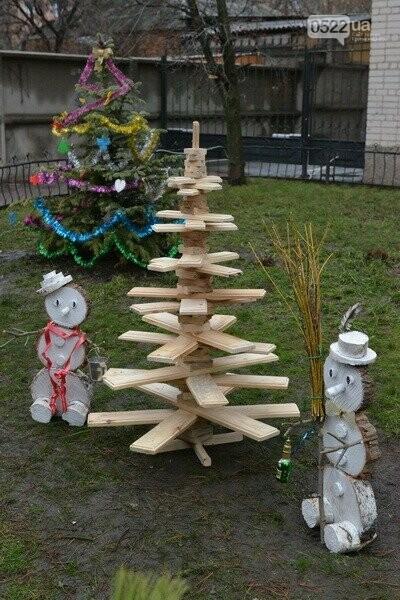 Лісівники Компаніївщини привітали жителів області з новорічними святами, фото-3