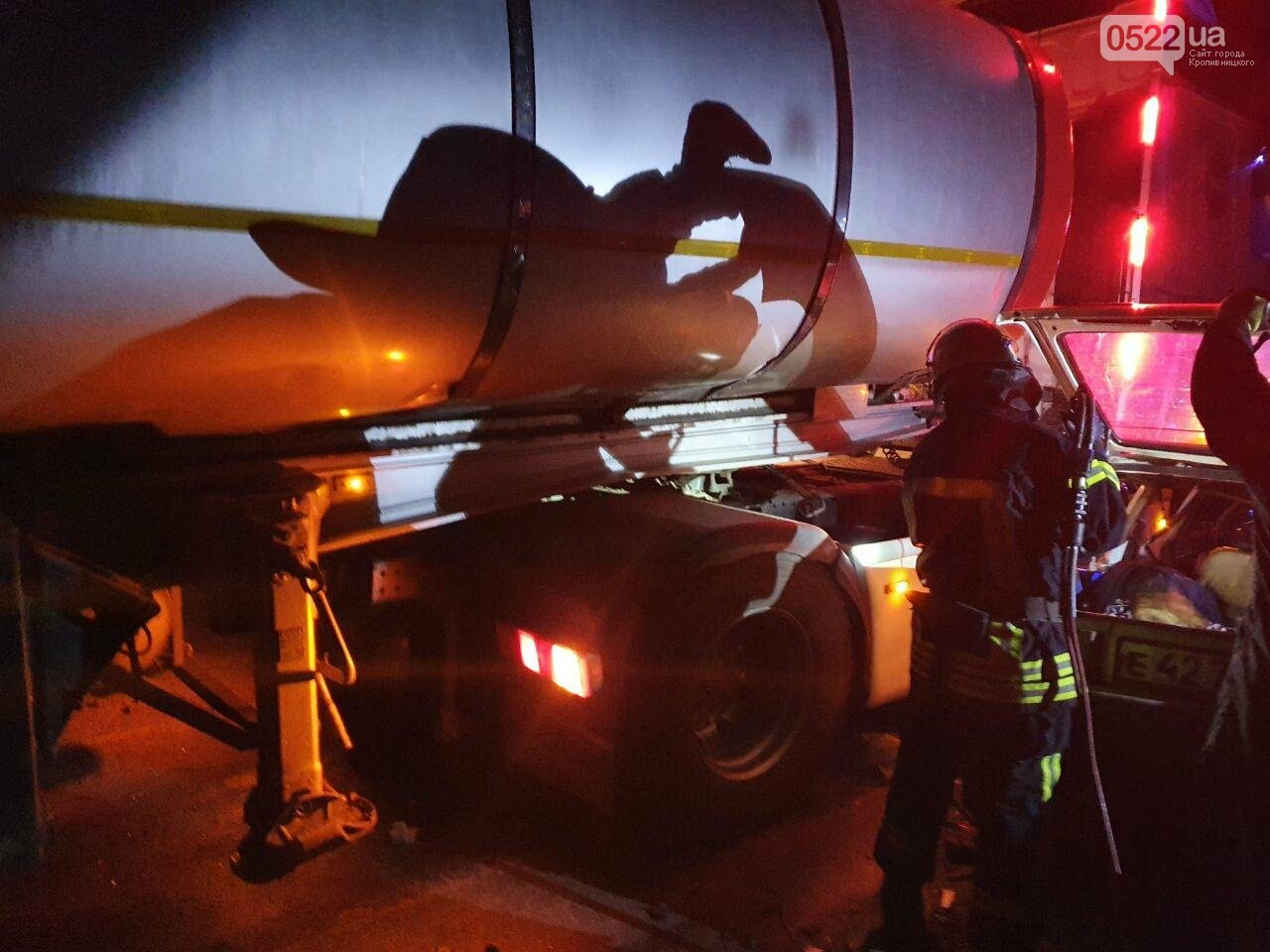 ДТП на Кіровоградщині: У результаті зіткнення вантажівки та легковика загинули 4 людини, фото-2