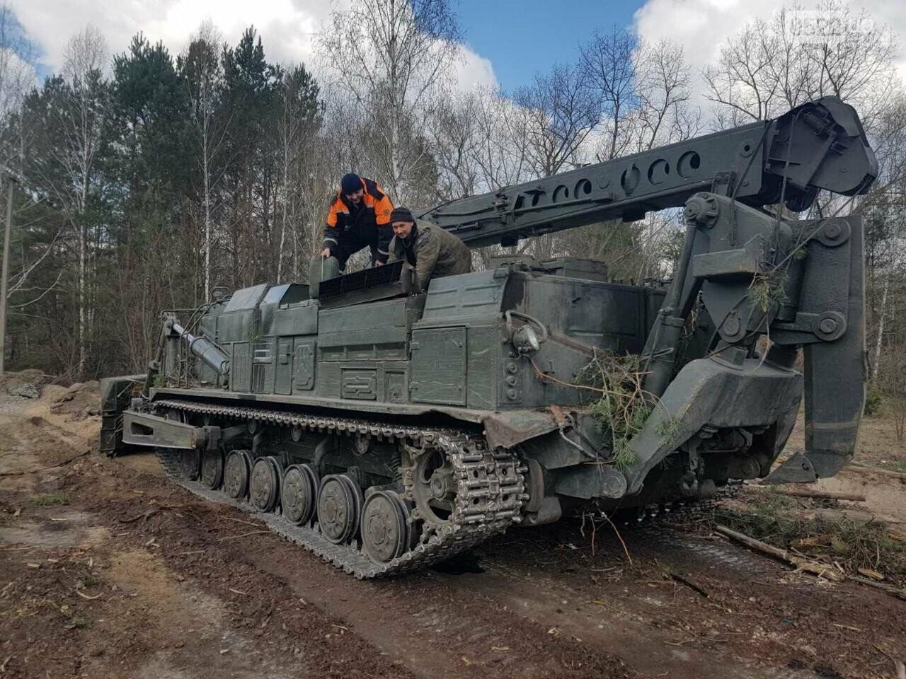 Зведений підрозділ кіровоградського гарнізону допомагає долати лісові пожежі на Київщині, фото-4