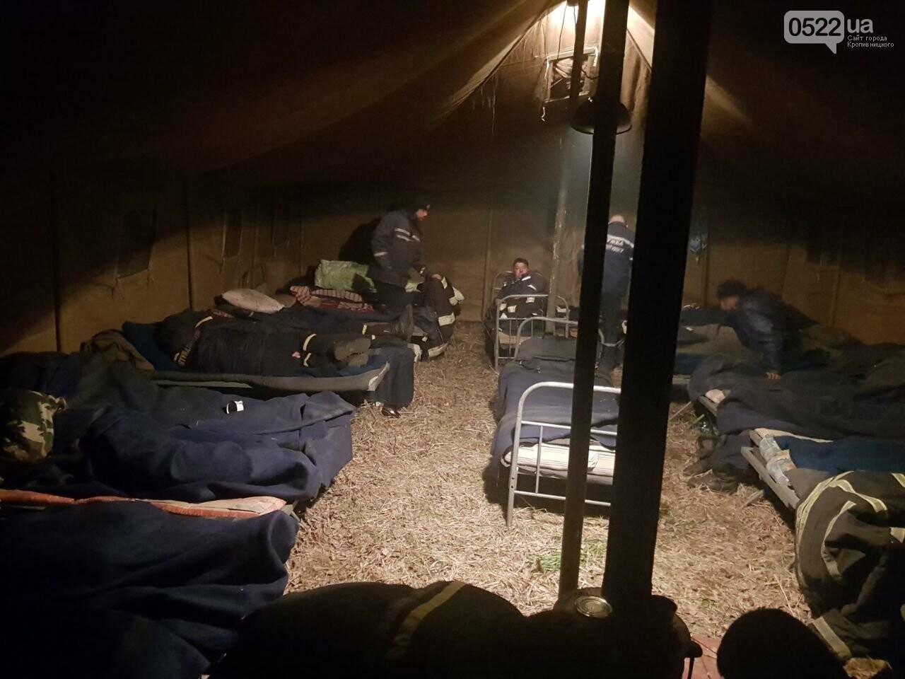 Зведений підрозділ кіровоградського гарнізону допомагає долати лісові пожежі на Київщині, фото-7