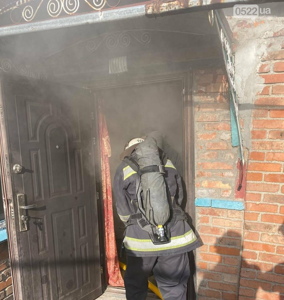 Під час пожежі на Кіровоградщині виявлено тіло: рятувальники з місця подій, фото-1