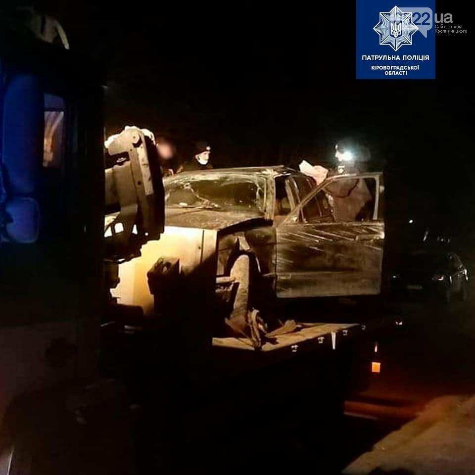 Водій BMW без прав та ще і нетверезий тікав від поліції після ДТП, фото-1