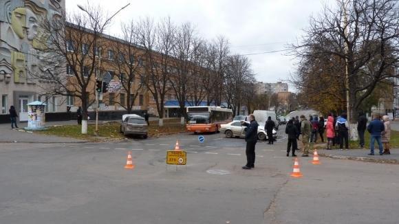 ДТП на Кировоградщине: водителя с места аварии увезла скорая.ФОТО, фото-3