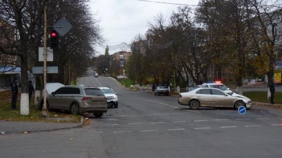 ДТП на Кировоградщине: водителя с места аварии увезла скорая.ФОТО, фото-2