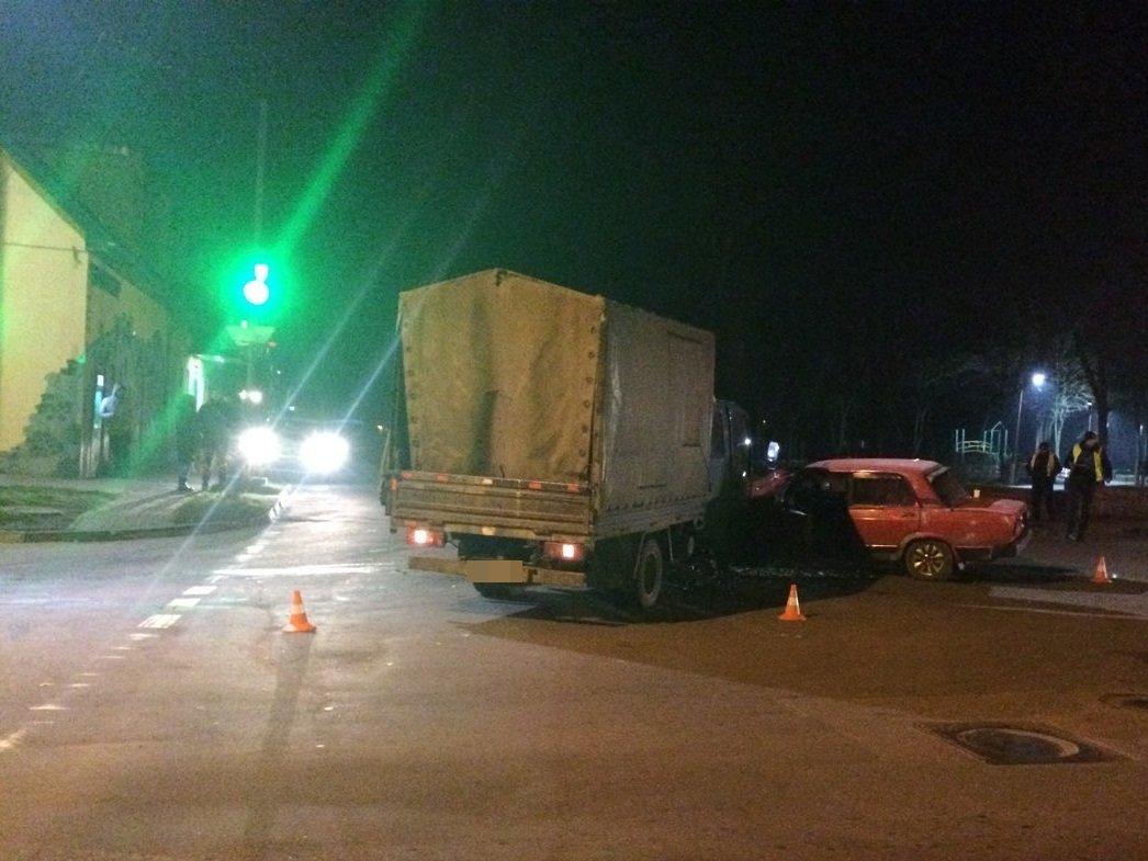 ДТП в Кропивницком: грузовик сильно помял легковушку. ФОТО, фото-4