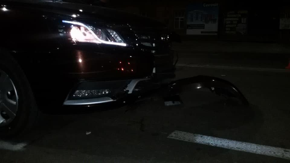 ДТП в Кропивницком: легковой автомобиль врезался в новый автобус.ФОТО, фото-2