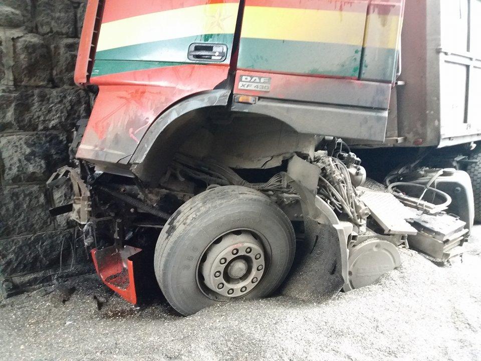 В Кропивницком произошло страшное ДТП: кабина грузовика превратилась в металлолом. ФОТО, фото-1