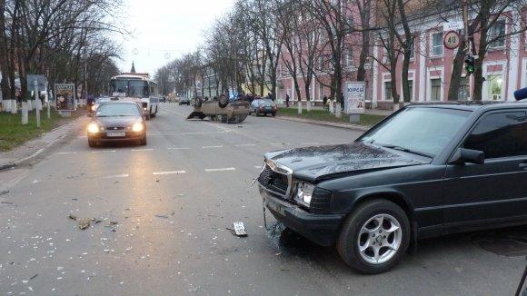"ДТП на Кировоградщине ""Нива"" перевернулась на крышу. ФОТО, фото-2"