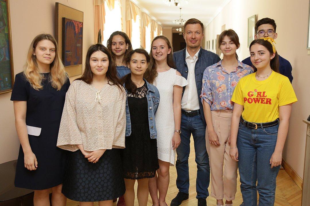 Андрей Николаенко: лучшая  защита для украинских детей  - это создание условий для их блестящего будущего в Украине, фото-2