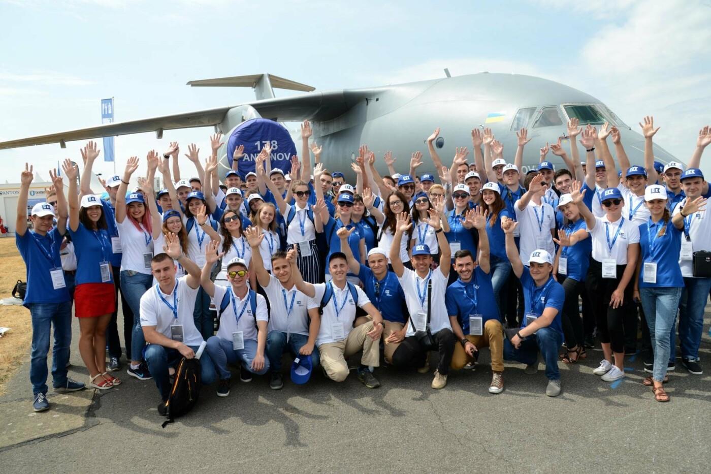 Студенти Льотної академії відвідали найбільший авіасалон Фарнборо у Великобританії, фото-3