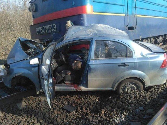 На Кіровоградщині легковик зіткнувся з локомотивом. Водій загинув, фото-3