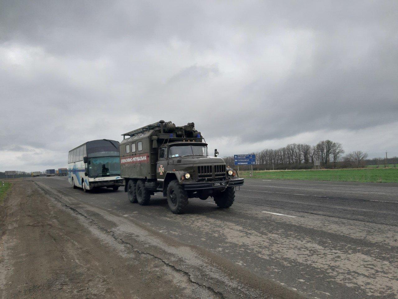 На Кiровоградщинi пасажирський автобус зламався просто на дорозi (ФОТО), фото-2