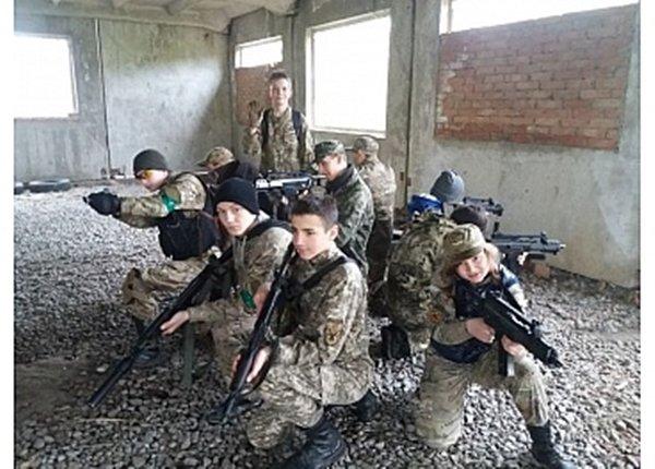 У Кропивницькому дiти стрiляли та штурмували будiвлi (ФОТО), фото-3