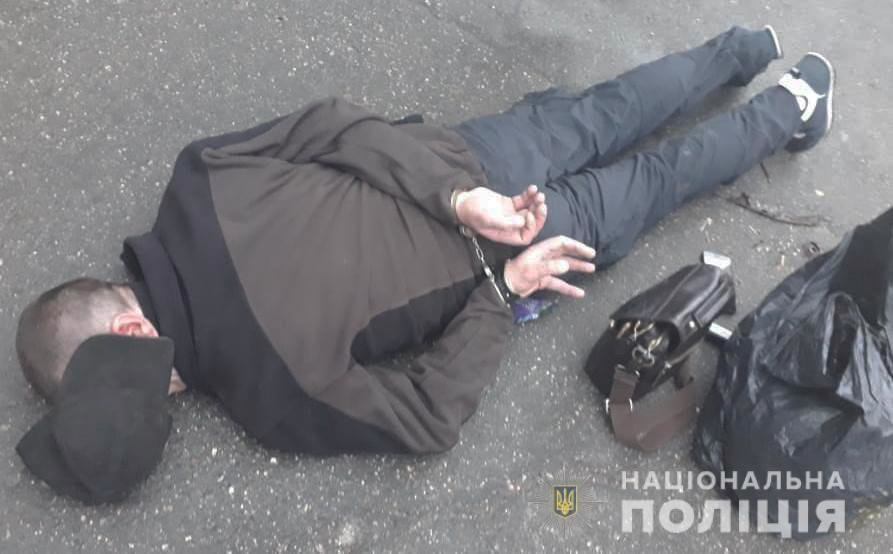 Дiяла органiзована банда: у Кропивницькому затримали пiдозрюваних у збутi психотропiв (ФОТО), фото-1