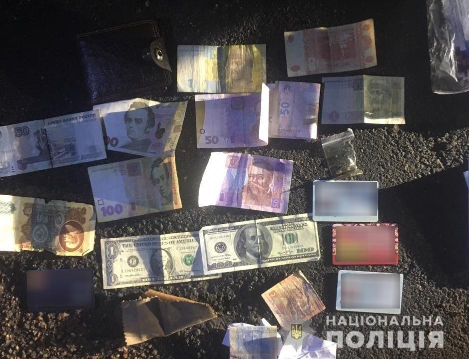 Дiяла органiзована банда: у Кропивницькому затримали пiдозрюваних у збутi психотропiв (ФОТО), фото-5
