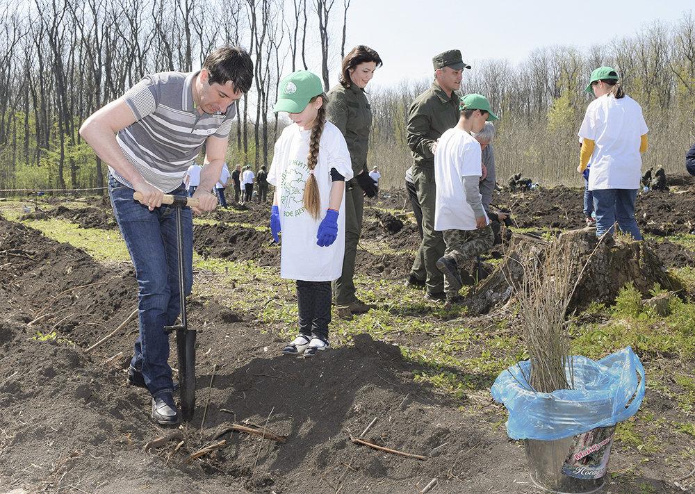 В урочищi на Кiровоградщинi висадили близько 3000 саджанцiв дуба (ФОТО), фото-6