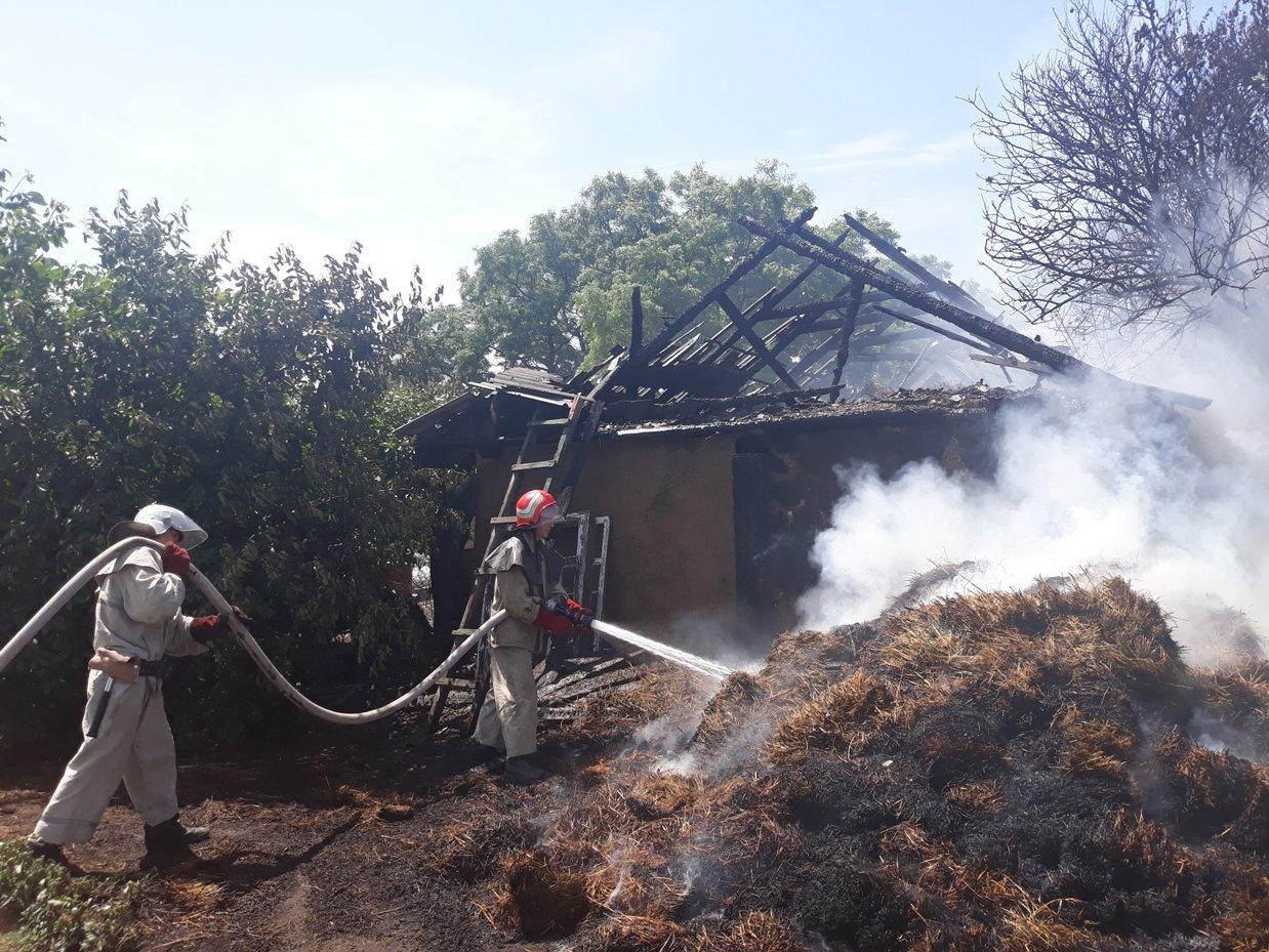 На Кіровоградщині вогнеборці приборкали 6 пожеж різного характеру, з них 3 – займання автівок (ФОТО), фото-1