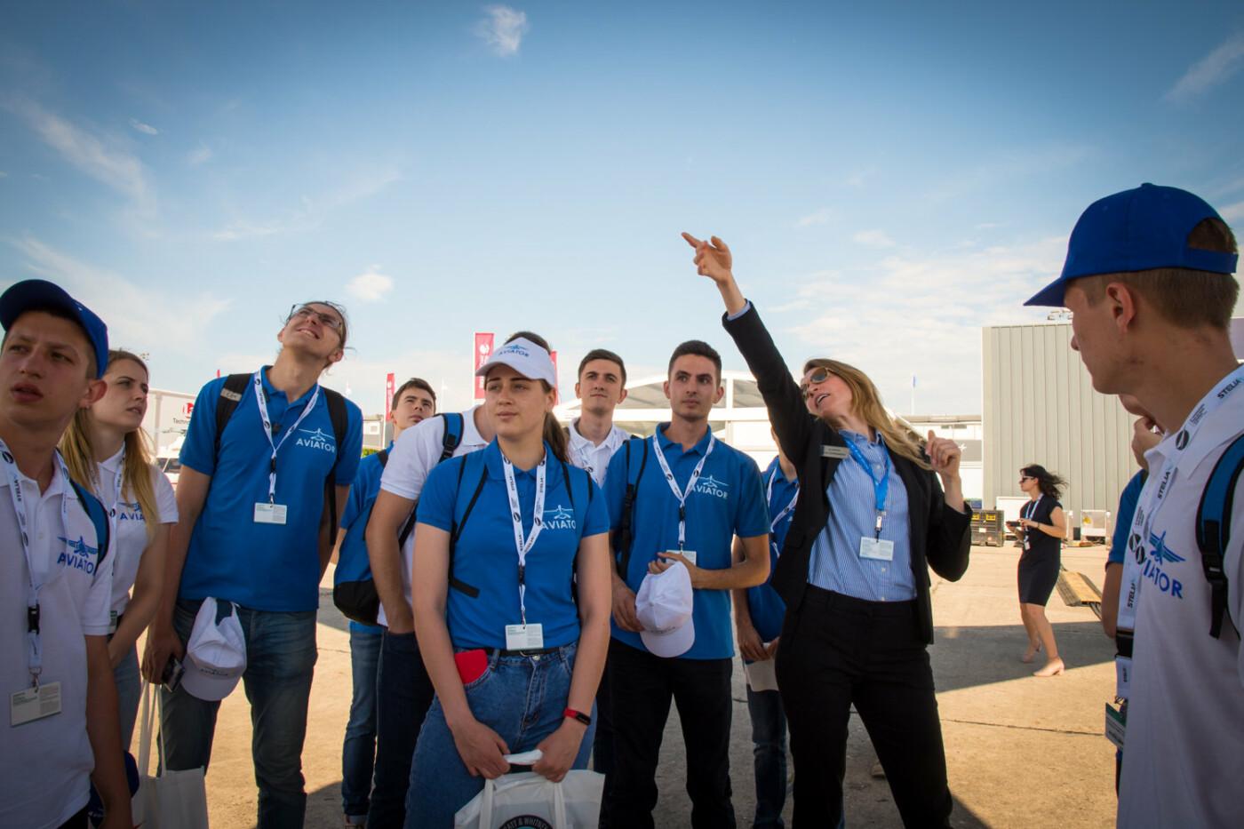 Десант Льотної академії висадився на престижному авіафорумі в Парижі: хто їм  допоміг туди потрапити?, фото-1